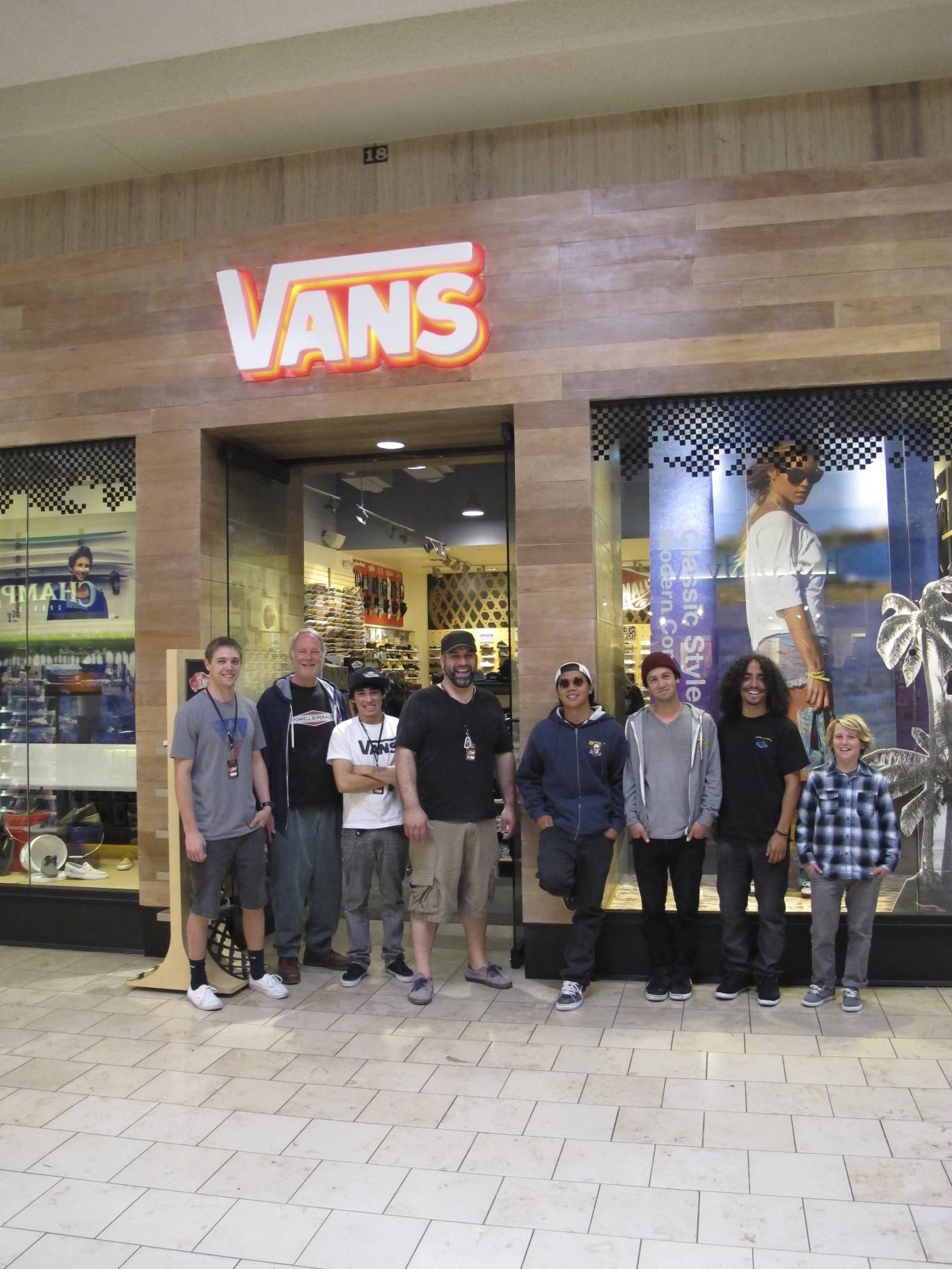 vans paradise valley mall